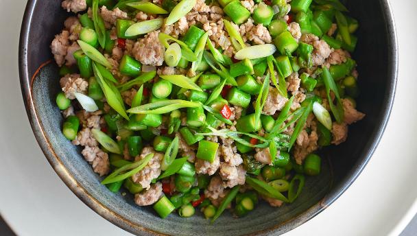 recept groene asperges met varkensgehakt